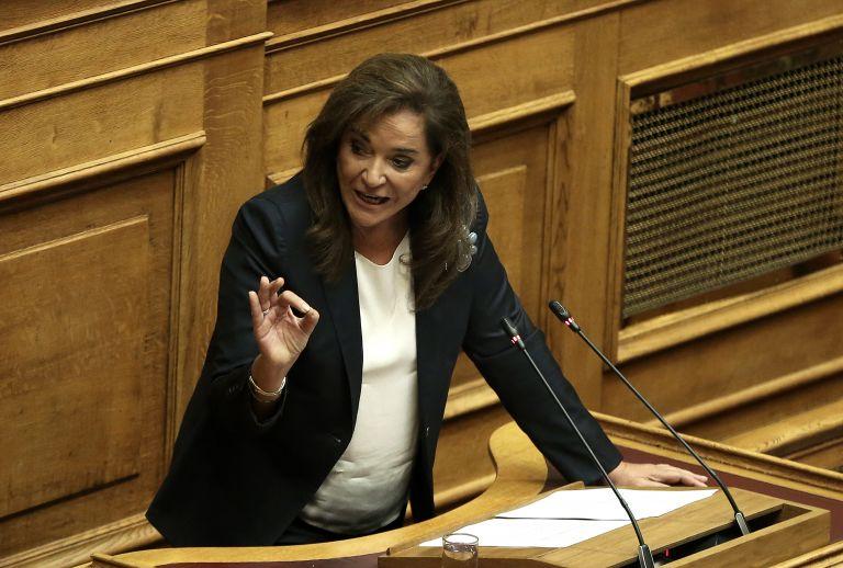 Οργισμένη αντίδραση Μπακογιάννη για την άδεια Κουφοντίνα | tanea.gr