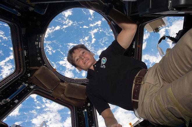 Συνταξιούχος η αστροναύτης που έμεινε στο διάστημα περισσότερο από όλους | tanea.gr