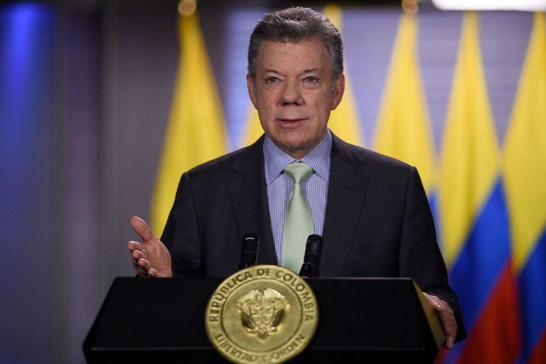 Σε κλίμα πόλωσης ο β' γύρος προεδρικών εκλογών στην Κολομβία   tanea.gr