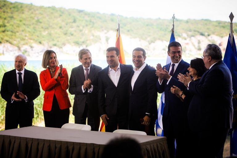 Βρυξέλλες: Διαψεύδεται σύνδεση μείωσης χρέους με συμφωνία για «Βόρεια Μακεδονία»   tanea.gr