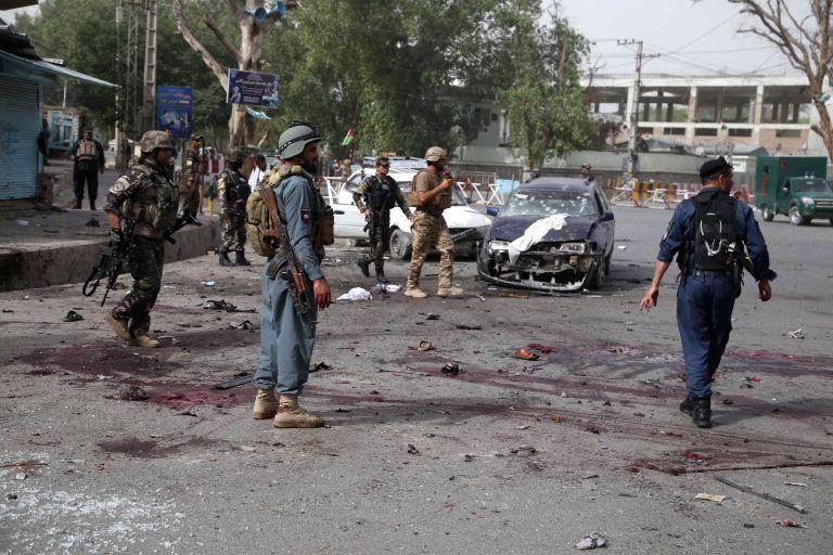 Αφγανιστάν: 30 στρατιώτες νεκροί από πυρά των ταλιμπάν   tanea.gr