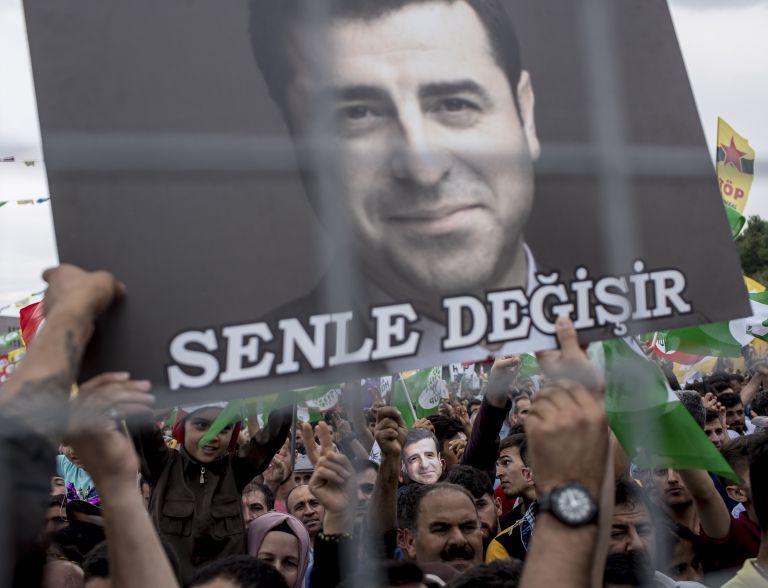 Τουρκία: Ο φυλακισμένος Ντεμιρτάς καταλύτης των εκλογών;   tanea.gr