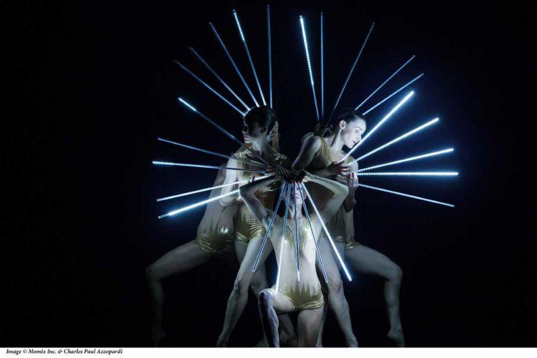 «Viva Momix» με χορό, ακροβατικά και ειδικά εφέ στο Μέγαρο Μουσικής   tanea.gr