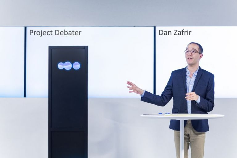 Σύστημα τεχνητής νοημοσύνης κάνει «ντιμπέιτ» με ανθρώπους | tanea.gr