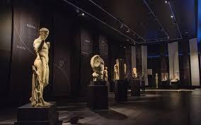 Ενδυμασίες του προϊστορικού Αιγαίου στο Αρχαιολογικό Μουσείο | tanea.gr