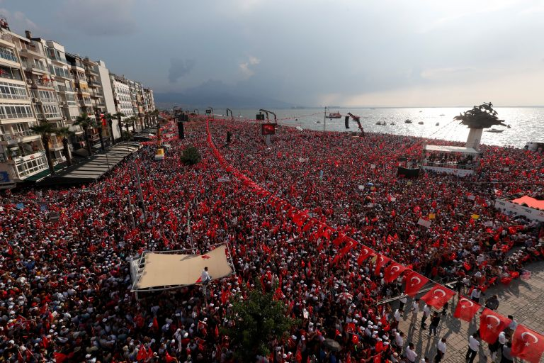 Μεγαλειώδης η προεκλογική συγκέντρωση του Ιντζέ στη Σμύρνη   tanea.gr