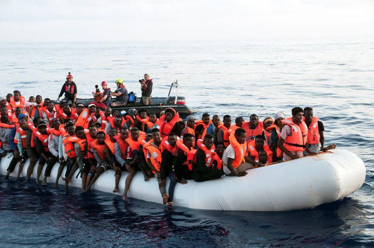 Συνεχίζεται η «Οδύσσεια» μεταναστών και προσφύγων σε «ανεπιθύμητα» πλοία   tanea.gr