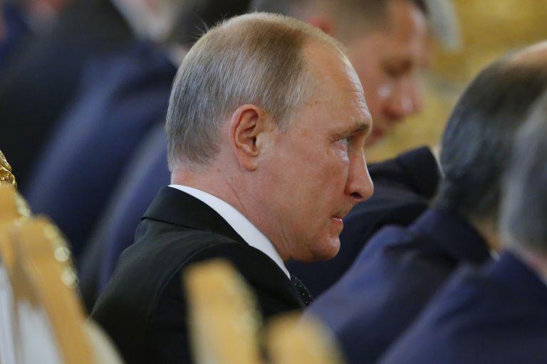 Πλήγμα στη δημοτικότητα του Πούτιν η αύξηση των συνταξιοδοτικών ορίων   tanea.gr