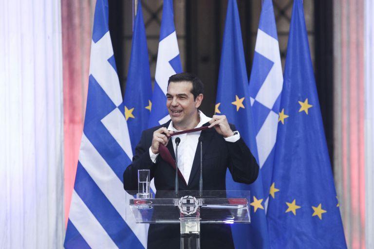 Με ή χωρίς γραβάτα στις κάλπες   tanea.gr