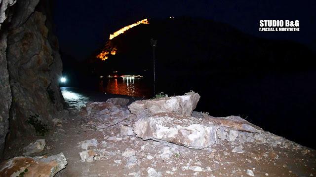 Κατολίσθηση στην ομορφότερη διαδρομή του Ναυπλίου (βίντεο)   tanea.gr