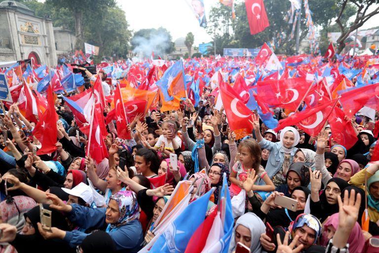 Αυλαία συγκεντρώσεων στην Κωνσταντινούπολη για Ερντογάν – Ιντζέ | tanea.gr