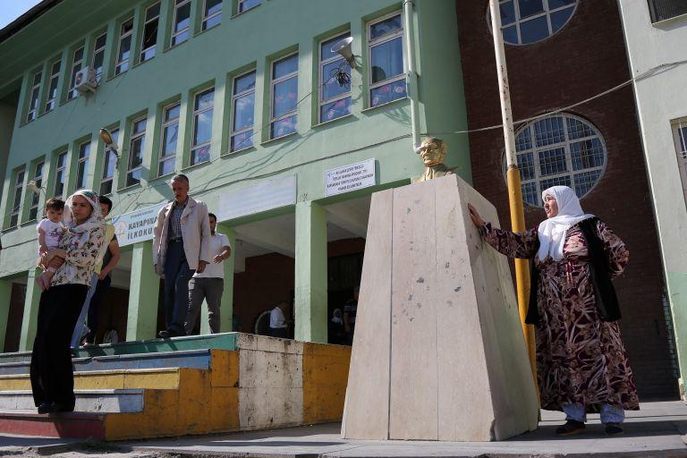 Τρεις νεκροί στο Ερζερούμ – Ιντζέ: Προστατέψτε τις κάλπες | tanea.gr