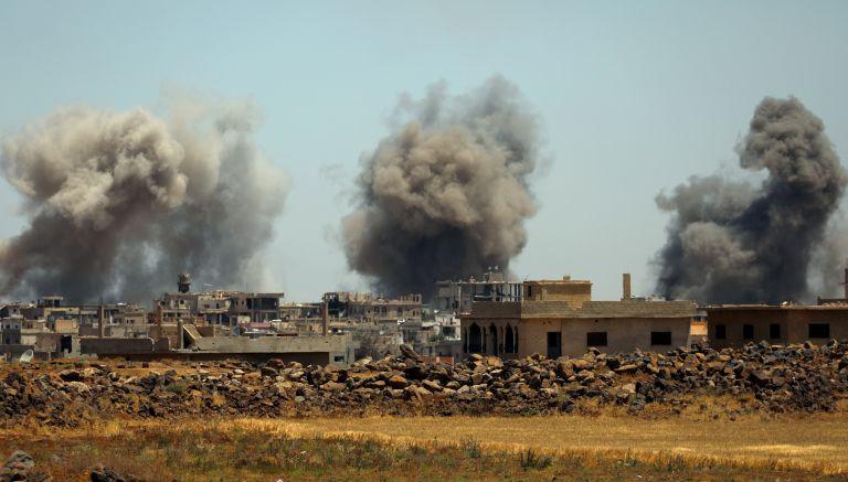 Ο στρατός του Ασαντ προελαύνει ρίχνοντας βαρέλια με εκρηκτικά | tanea.gr