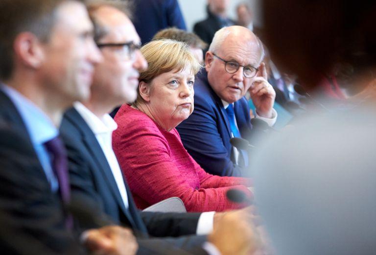 DW: Συμφωνούν ότι διαφωνούν Μέρκελ – Ζέεχοφερ | tanea.gr