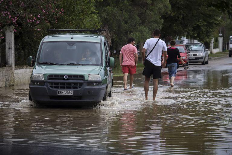 Ζητούν παρέμβαση Τσίπρα για τα αντιπλημμυρικά στην Ελευσίνα   tanea.gr
