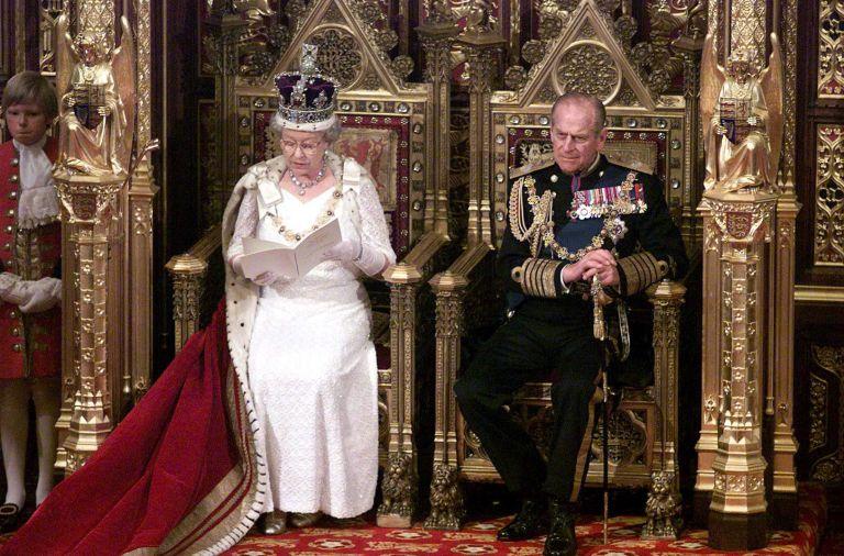 Αποκαλύψεις για την ερωτική ζωή της βασίλισσας Ελισάβετ | tanea.gr