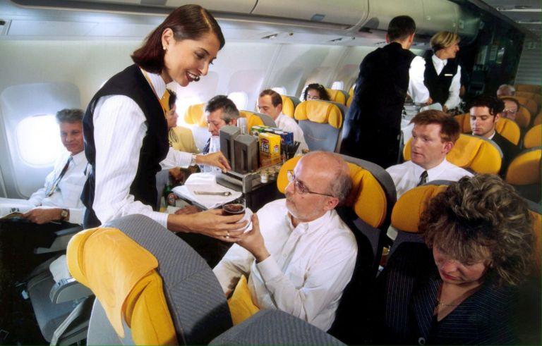 Αεροσυνοδοί και φροντιστές στο στόχαστρο του καρκίνου | tanea.gr