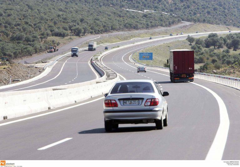 Βέροια: Αποκαταστάθηκε η κυκλοφορία στην Εγνατία Οδό μετά την ανατροπή νταλίκας | tanea.gr