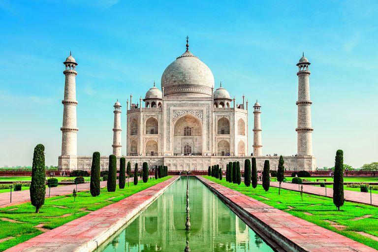 Ανώτατο Δικαστήριο της Ινδίας ζητεί από την κυβέρνηση να φροντίσει το Ταζ Μαχάλ   tanea.gr