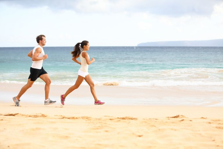 Τρέξιμο στην παραλία: Τι πρέπει να προσέξεις | tanea.gr