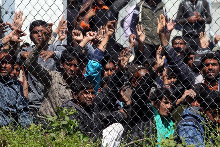 Πέτρα ντε Σούτερ: Υπερπληθυσμός προσφύγων στη Μοριά | tanea.gr