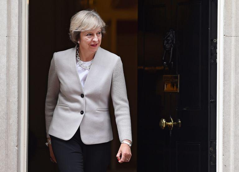 Βρετανία: Η Τερέζα Μέι απείλησε τους Τόρις με πρόωρες εκλογές | tanea.gr