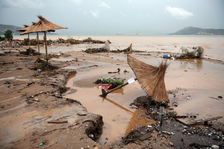 Καβάλα: Ζημιές και προβλήματα εξαιτίας της καταρρακτώδους βροχής | tanea.gr