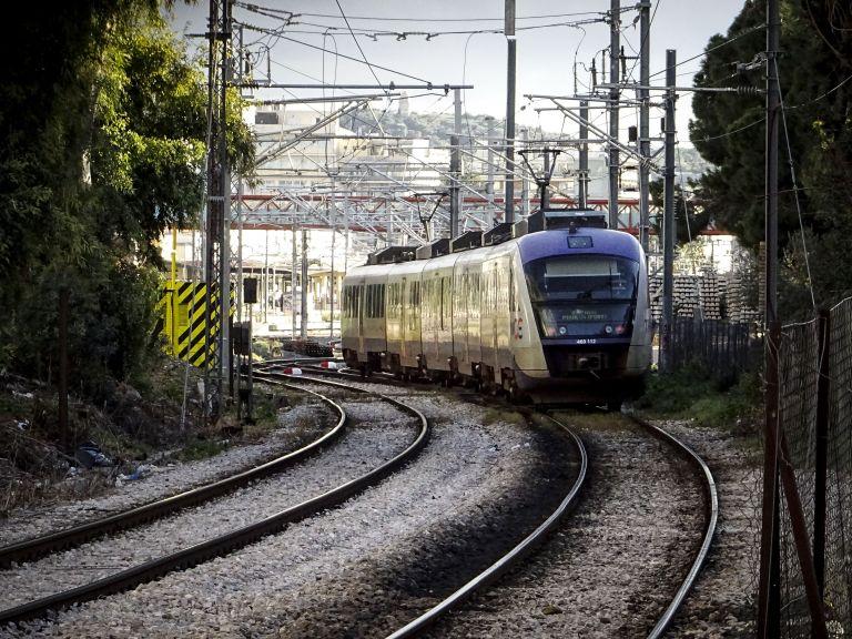 Κανονικά εκτελούνται τα δρομολόγια προαστιακού σιδηροδρόμου και ΚΤΕΛ | tanea.gr