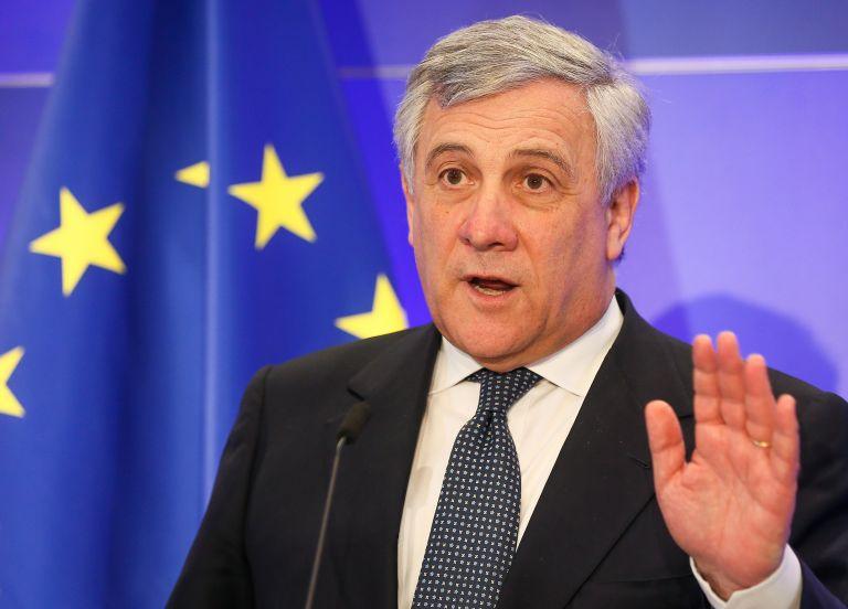 Στηρίζει τη συμφωνία των Πρεσπών ο Ταγιάνι | tanea.gr