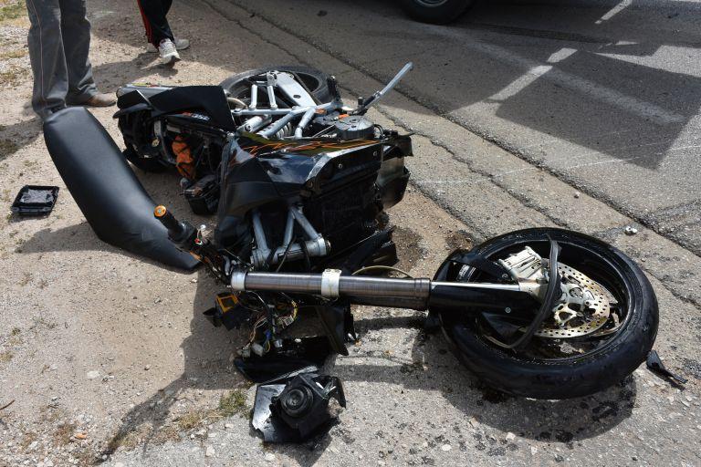 Σκοτώθηκε μοτοσικλετιστής στην Ημαθία | tanea.gr