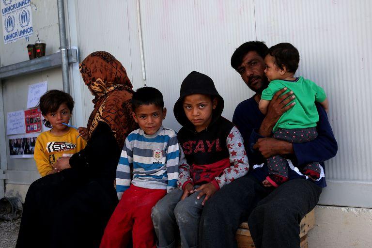 Υπεράριθμοι πρόσφυγες φιλοξενούνται σε Διαβατά, Κω, Λέσβο, Σάμο και Χίο | tanea.gr