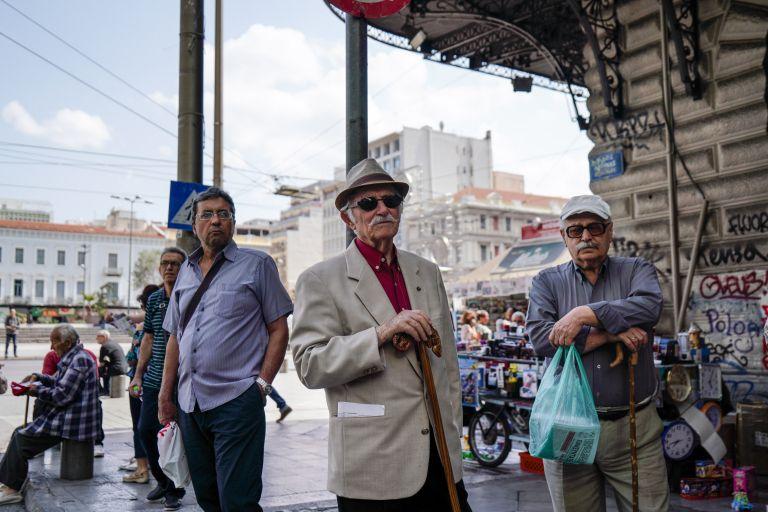 Σε ένα χρόνο ο πληθυσμός της Ελλάδας μειώθηκε κατά 30.000 άτομα | tanea.gr