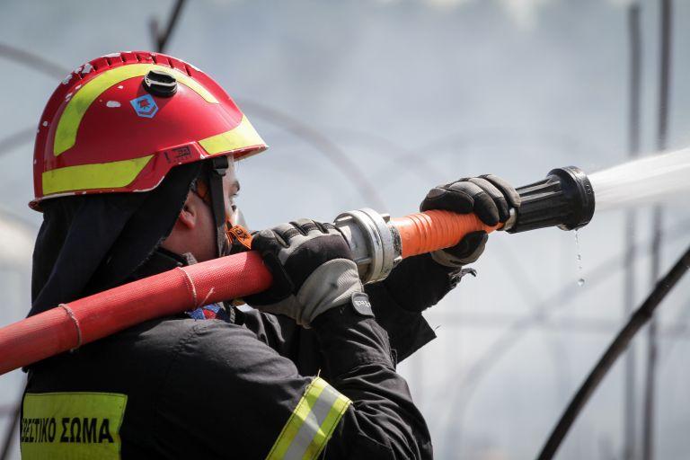 Πάτρα: Πυρκαγιά πίσω από το πρώην εργοστάσιο του Λαδόπουλου | tanea.gr