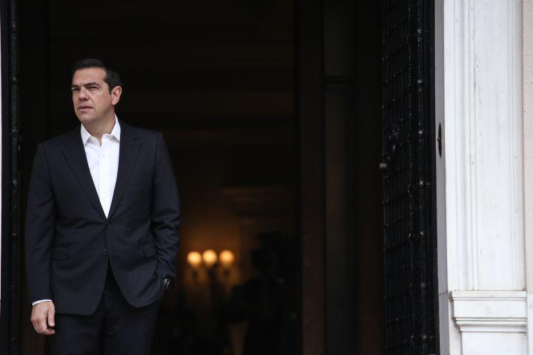 Σιωπή Μαξίμου και για την πλαστή ασφαλιστική ενημερότητα της εταιρείας της οικογένειας Τσίπρα | tanea.gr