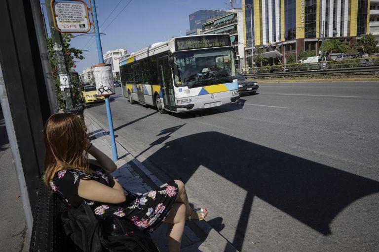Χωρίς εισιτήριο οι περισσότεροι επιβάτες σε λεωφορεία και τρόλεϊ | tanea.gr