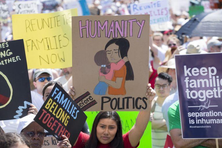 ΗΠΑ: Επανένωση των παιδιών κάτω των 5 ετών με τους γονείς τους | tanea.gr