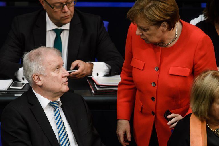 Γερμανία: SPD εναντίον Ζεεχόφερ για το μεταναστευτικό | tanea.gr