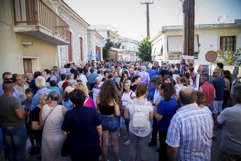 Σάμος: Διαμαρτυρία για την κατασκευή νέου ΚΥΤ μεταναστών και προσφύγων | tanea.gr