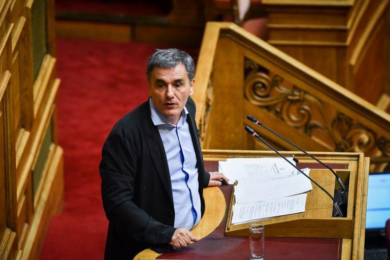 Αναδρομικά και… Διάστημα «έριξαν» έξω τον Προϋπολογισμό | tanea.gr