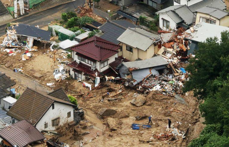 Φονικές πλημμύρες στην Ιαπωνία – Στους 81 οι νεκροί   tanea.gr