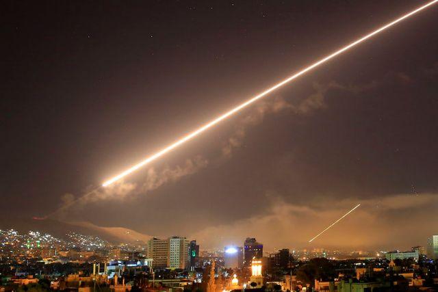 Νέα πυραυλική επίθεση κατά της Συρίας | tanea.gr