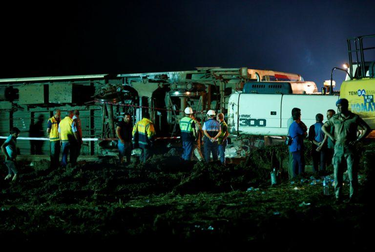 Τουρκία: 24 οι νεκροί από το σιδηροδρομικό δυστύχημα   tanea.gr