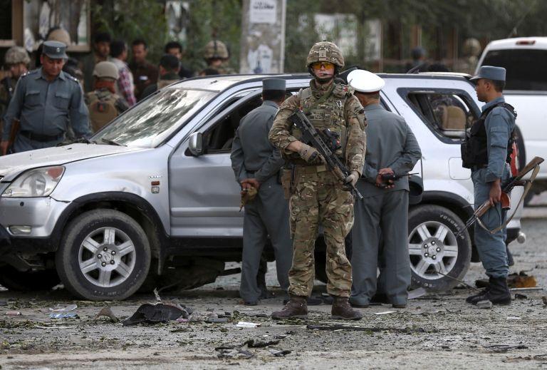 Αφγανιστάν: Δέκα νεκροι από επίθεση ενόπλων στην Τζαλαλαμπάντ   tanea.gr