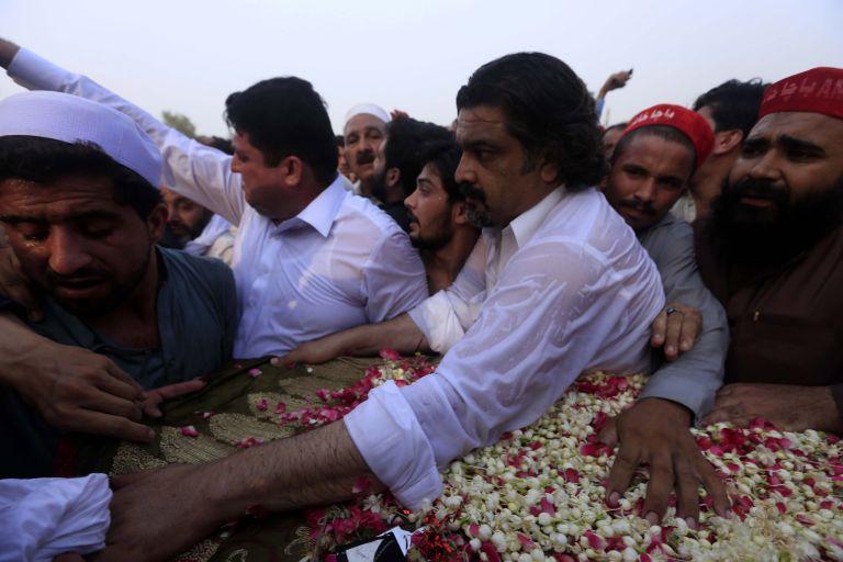 Πακιστάν: Στους 149 οι νεκροί της βομβιστικής επίθεσης   tanea.gr