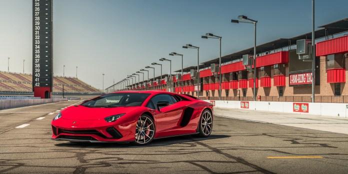 Ανάκληση σε 1.700 Lamborghini επειδή μπορεί να σβήσει ο κινητήρας | tanea.gr