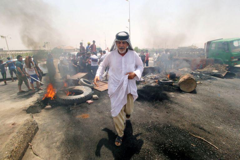 Καζάνι που βράζει το Ιράκ - Στους τρείς οι νεκροί διαδηλωτές | tanea.gr