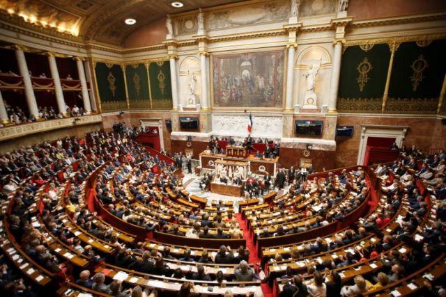 Γαλλία: Κατάργησαν τον όρο «φυλή» από το Σύνταγμα, εισήγαγαν το «φύλο» | tanea.gr