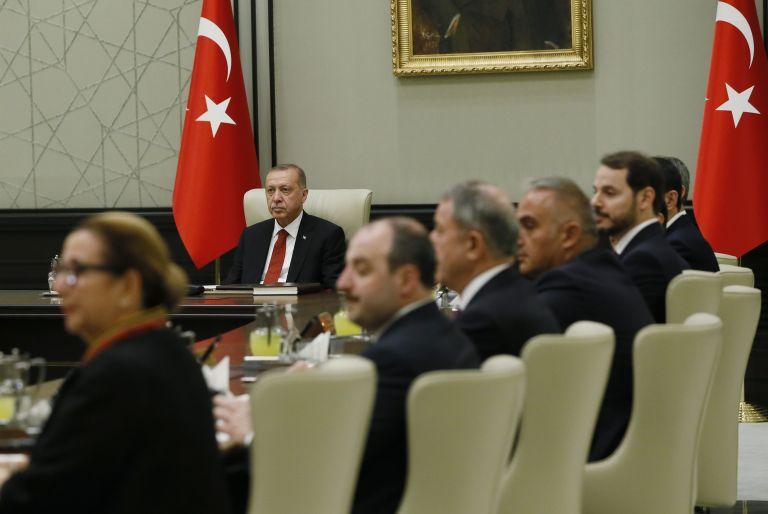 Τι αλλάζει στην Τουρκία με τα νέα διατάγματα Ερντογάν | tanea.gr