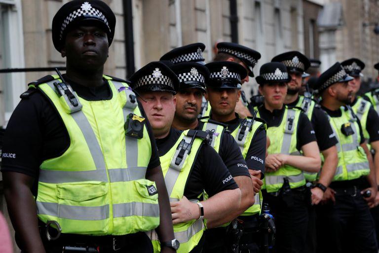 Βρετανία: Συλλήψεις για επίθεση με οξύ εναντίον τρίχρονου αγοριού | tanea.gr