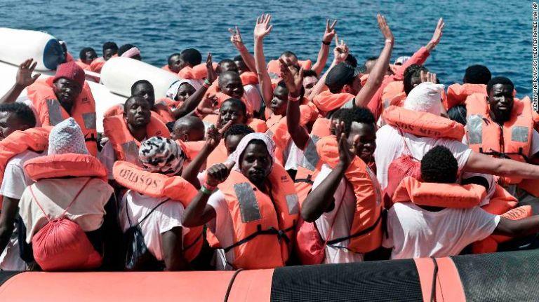 Ιταλία : Εν αναμονή πολιτικής λύσης οι 450 πρόσφυγες και μετανάστες | tanea.gr